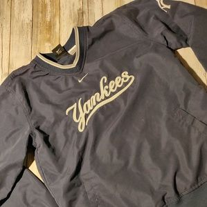Nike Yankees pullover